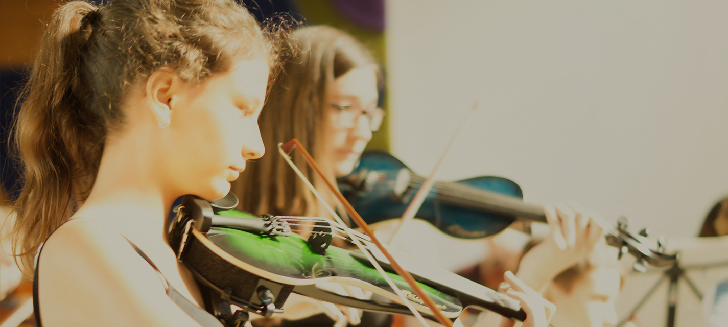 Das Kammerorchester des Internationale Musikcamps Oberwesel spielt auf der Probe